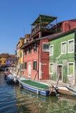 Ein Kanal in Burano Stockfoto