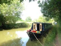 Ein Kanalboot auf dem Oxford-Verbands-Kanal lizenzfreie stockfotografie
