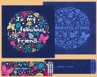 ein Kartenstapel für Glückwünsche und Einladungen im Stil des children& x27; s-Gekritzel Stockfotografie