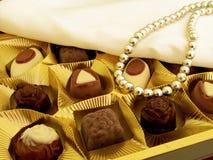 Ein Kasten Schokoladen als Geschenk Stockfotos