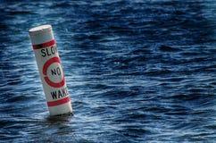 Ein kein Spur-Bereich im See Stockfotos