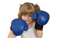 Ein Kind des kleinen Mädchens, Kind in den Boxhandschuhen Lizenzfreies Stockbild