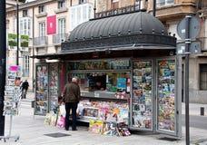 Ein Kiosk in Vitoria-Gasteiz, baskisches Land Lizenzfreie Stockfotos