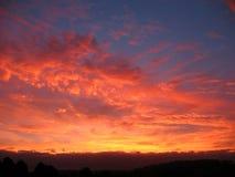 Klarer Wolken-Sonnenuntergang Lizenzfreie Stockbilder