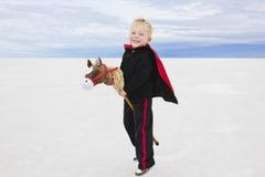 Ein kleiner Junge und seine Fantasie Lizenzfreies Stockbild