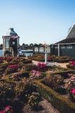 Ein kleiner Park mit einem Engel mitten in den Niederlanden lizenzfreie stockfotos