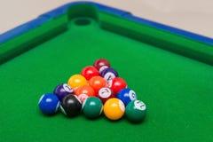 Ein kleiner Snookerspielzeugsatz Lizenzfreie Stockfotografie