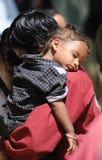 Ein kleines Indien-Kind im süßen Schlaf Lizenzfreie Stockbilder