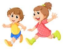 Ein kleines Mädchen und ein kleines Jungenspielen Stockbilder