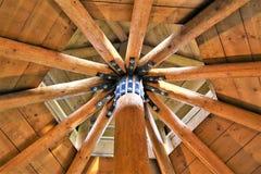 Ein Konzept Bild einer Holzbauweise stockbild