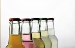 Ein Konzeptbild einer Flasche mit Kopienraum Stockbild