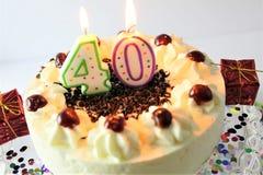 Ein Konzeptbild eines Geburtstagskuchens mit Kerze - 40 lizenzfreie stockfotos