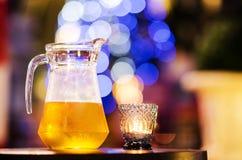 Ein Krug kaltes Bier Stockfoto
