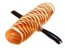 Ein Laib des Brotes geschnitten Lizenzfreie Stockfotografie