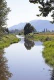 Ein landwirtschaftlicher Kanal lizenzfreies stockfoto