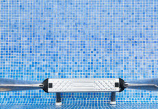 Ein leerer Swimmingpool Stockbild