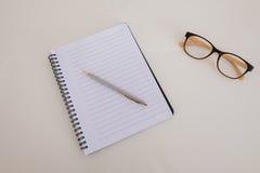 Ein leeres Notizbuch Lizenzfreie Stockbilder