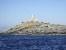 Ein Leuchtturm nahe Andros Griechenland stockbild