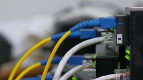 Ein Link zur Serverausrüstung stock footage