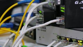 Ein Link zur Serverausrüstung stock video footage