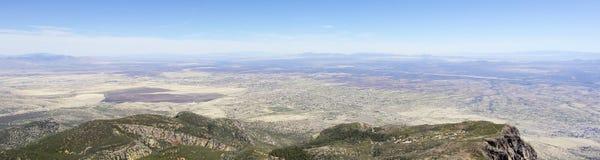 Ein Luftpanorama von Sierra Vista, Arizona, von Carr Canyon stockbilder
