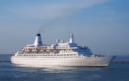 Ein LuxuxKreuzschiff Stockbild