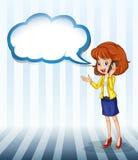 Ein Mädchen, das mit einem leeren Hinweis spricht Stockbilder