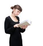 Ein Mädchen liest Stockbild