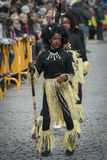 Ein Mädchen mit Kostüm von afrikanischem Stammes- Lizenzfreies Stockbild