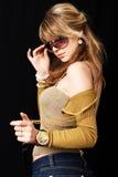 Ein Mädchen mit Sonnenbrillen Stockfotos