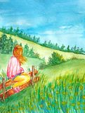 Ein Mädchen sitzt auf dem Zaun und genießt die Landschaft der Hügel mit dem Wald stock abbildung