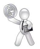 Ein Männchen hält Zeichen von copyright an Stockbild