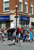 Altmodisches bycicle in einer Parade Lizenzfreie Stockfotografie