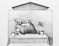 Ein Mann gießt Wasser in eine Flasche Stockbilder