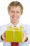 Ein Mann mit einem Geschenk Stockfoto
