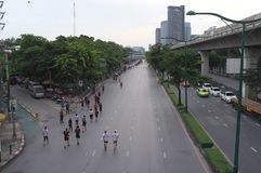 Ein Marathonereignis in Bangkok stockbild