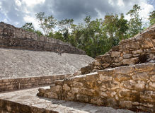 Ein Mayakugelfeld, Yucatan, Mexiko Stockbilder