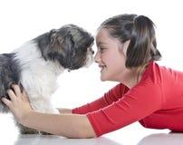 Ein Mädchen und ihr Hund Stockfoto