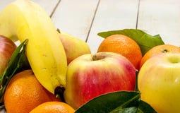 Ein Misch von frischen Früchten Lizenzfreie Stockfotografie