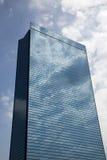 Ein moderner Glashighrise Stockbilder