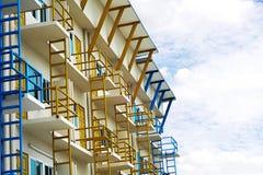 Ein modernes Handelsgebäude in der Stadt Lizenzfreies Stockfoto