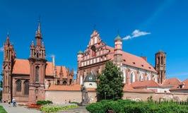 Ein Monument zu Adam Mickiewicz, katholische Kirche von St Anne Vilnius, Litauen Lizenzfreie Stockfotos