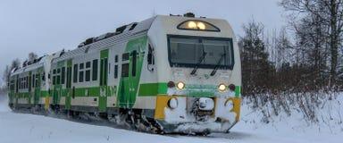 Ein nähernder Personenzug lizenzfreie stockfotos