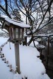 Ein Nebenfluss in Kanazawa stockfotografie