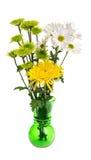 Blumenanordnung lokalisiert auf Weiß lizenzfreie stockbilder