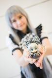 Ein nicht identifizierter japanischer Anime cosplay an der zentralen Welt in Thail stockbild