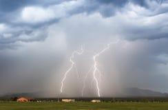 Ein Paar Blitz-Bolzen im Foothils Lizenzfreie Stockbilder