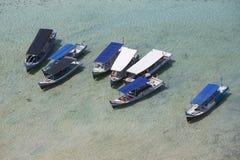 Ein paar Fischerschiffe von der Vogelaugenansicht Lizenzfreie Stockfotos