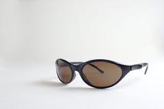 Ein Paar schwarze Sonnenbrillen Stockbilder