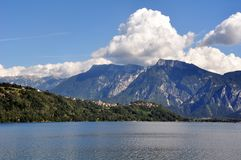 Ein Panorama des Valsugana in Trentino Alto Adige Lizenzfreie Stockfotos
